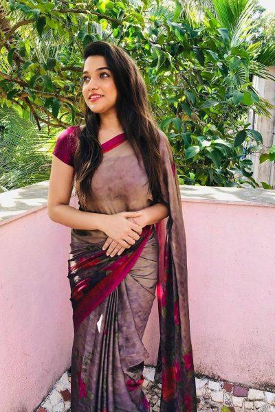 Call Girls In Bhalswa 8448334181 Escorts ServiCe In Delhi Ncr